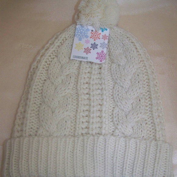 c28955886 Kmart Women's Cable Knit off White Beanie Hat NWT